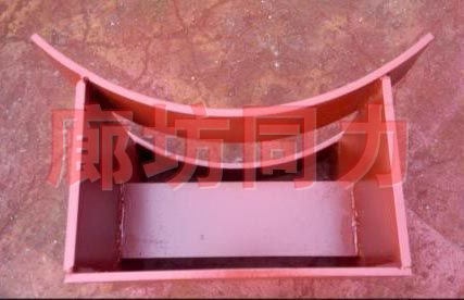 带补偿器水平圆形管道焊接支架
